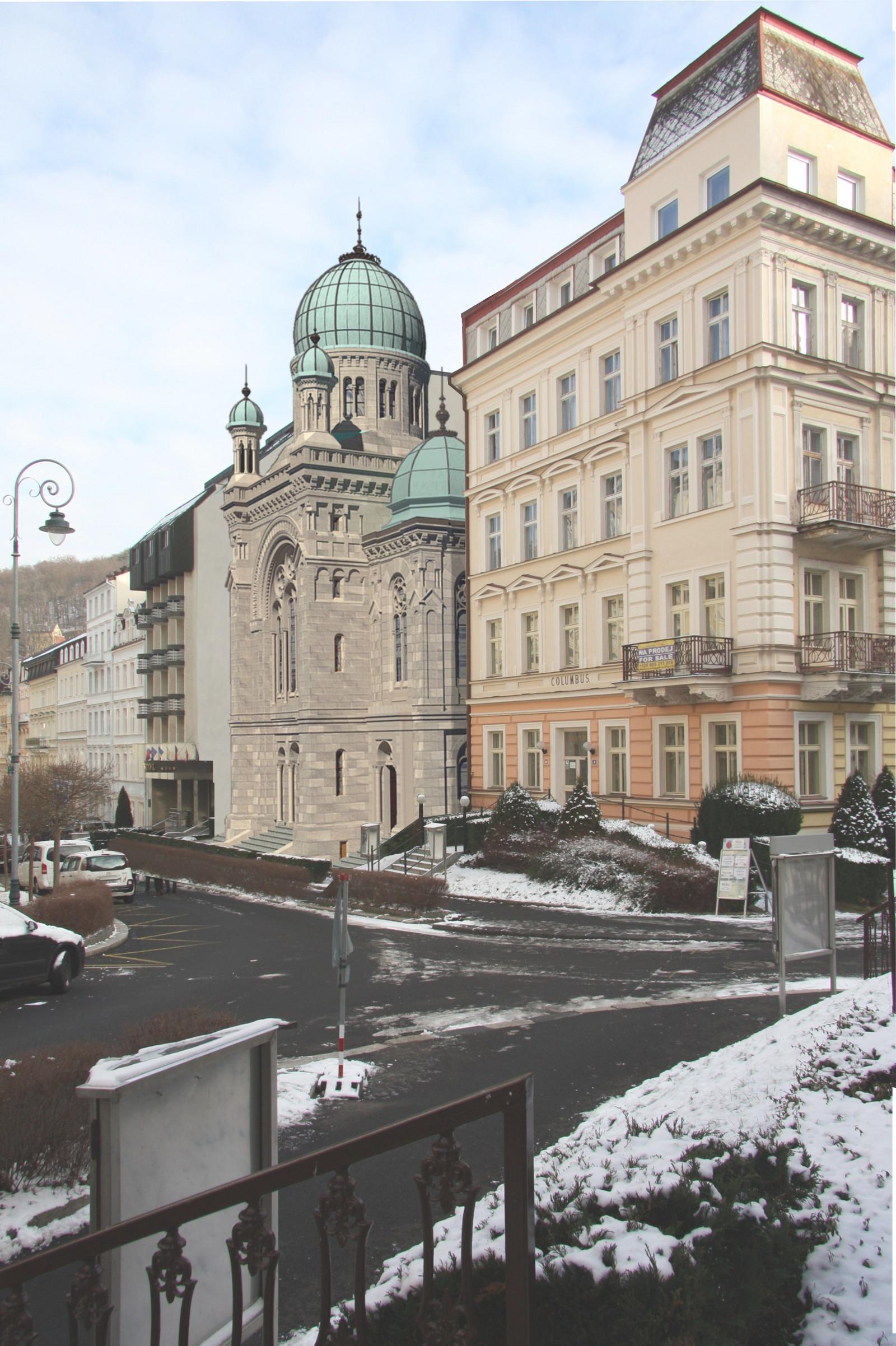 Montage: heutige städtebauliche Situation (Frühjahr 2019) mit rekonstruierter Synagoge